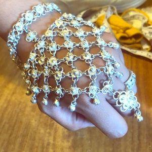 """Fun, jingling """"slave bracelet """""""